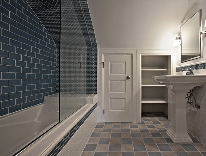 Design_Wright_blue_bathroom