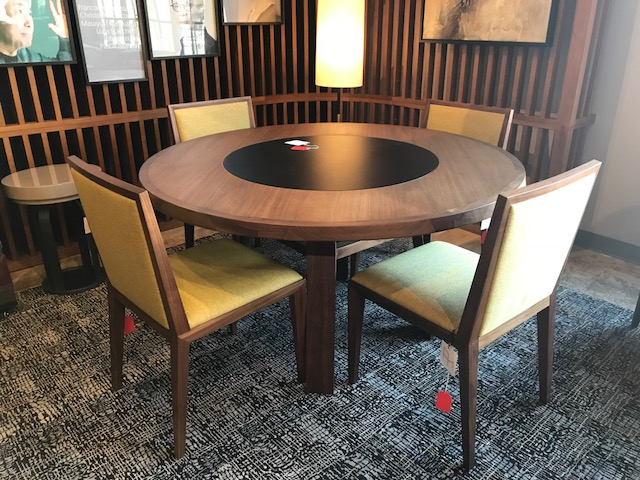 Round Sui Table and 4 Teatro chairs, sold separately